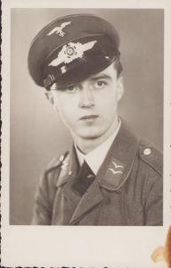 Luftwaffe Flak/Nachr. Soldier's Portrait