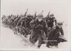 'Letten dienen Freiwillig' Press Photograph