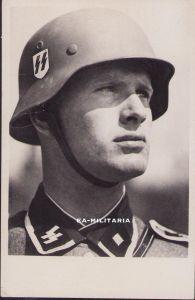 'Waffen-SS Kamerad im Kampf' Postcard (1942)