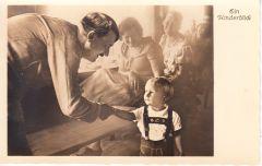Adolf Hitler 'Ein Kinderblick' Postcard