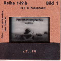 43x Panzernahkampfwaffen 'Panzerfaust' Slides
