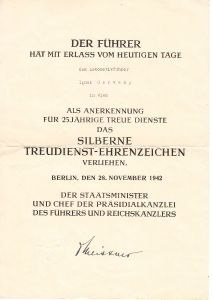 Treudienst-Ehrenzeichen in Silber Award Document