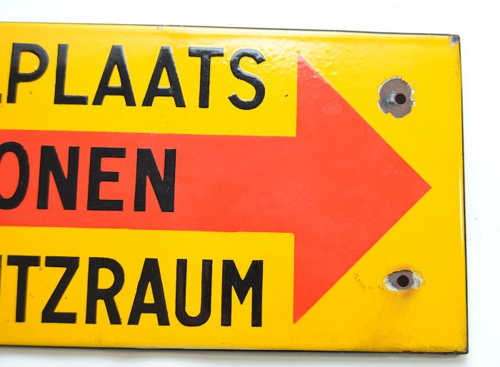 Ea Militaria Rare Dutch German Zum Luftschutzraum Wall Sign